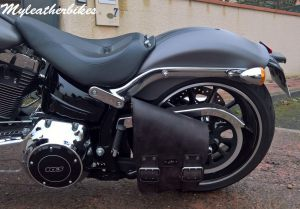 SO04 Veg Antique Sacoche Softail Breakout (2)