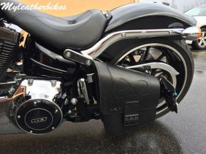 Sacoche Harley Softail breaktout SO02  Skull