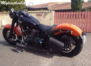 SO06 Rexine sur Softail Slim