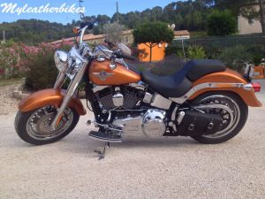 Sacoche cuir Harley Softail Fat boy SO03SLNG