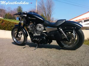 Sacoche SP04 pour Sportster Iron