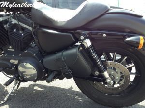 Sacoche SP04 sur  Harley Nightster