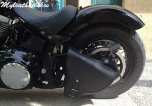 Sacoche SO06 sur Softail Blackline