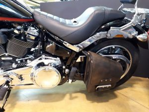 Sacoches Myleatherbikes Softail Streetbob Low rider (1)