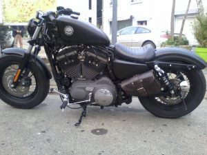 Sacoches Myleatherbikes Harley Sportster Forty Eight (17)