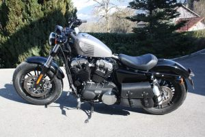 Sacoches Myleatherbikes Harley Sportster Forty Eight (38)